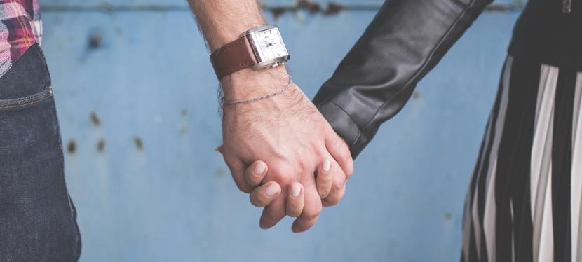 Despre îndrăgostire, iubire șiatașament